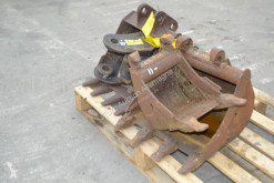 n/a Pallet of Bucket (3 of) c/w Adapter handling part