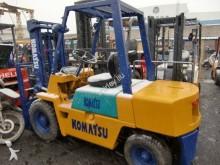 chariot élévateur de chantier Komatsu