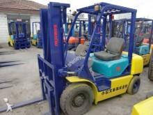 chariot élévateur de chantier Komatsu 30
