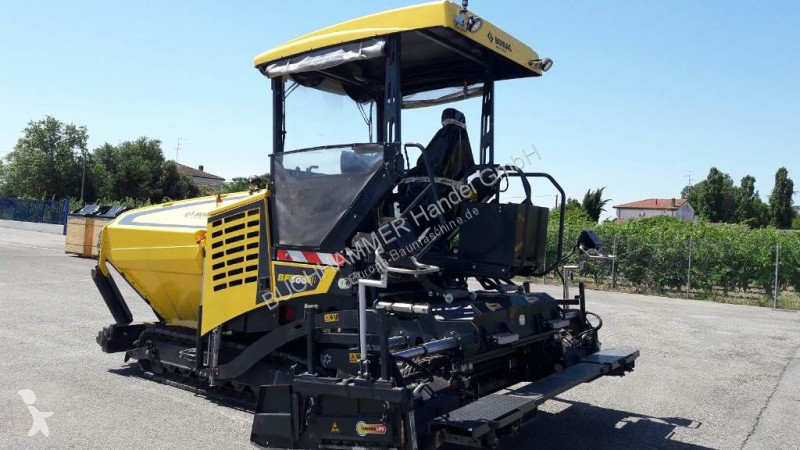 Travaux routiers Bomag BF 300 C