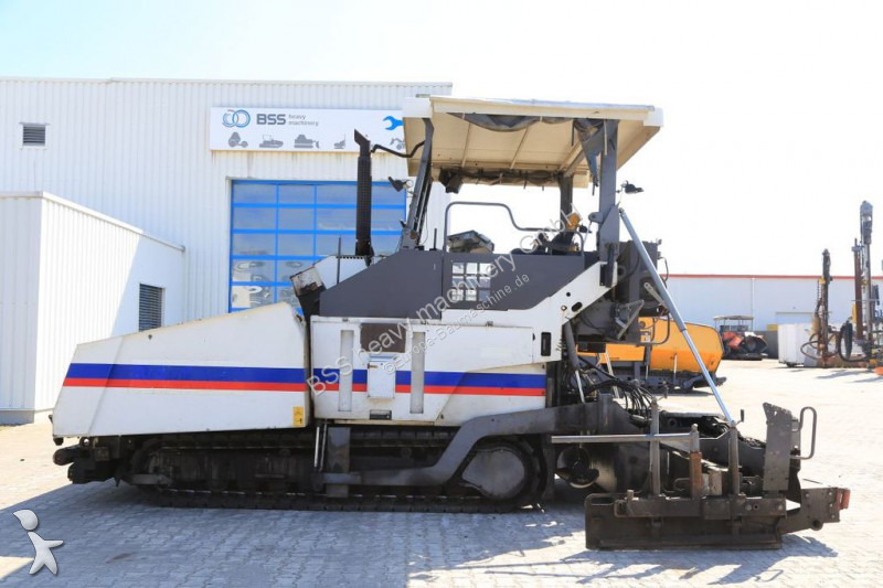 Travaux routiers Volvo TITAN 8820