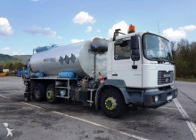 n/a REPANDEUSE RINCHEVAL/MAN 12.500 Litres road construction equipment