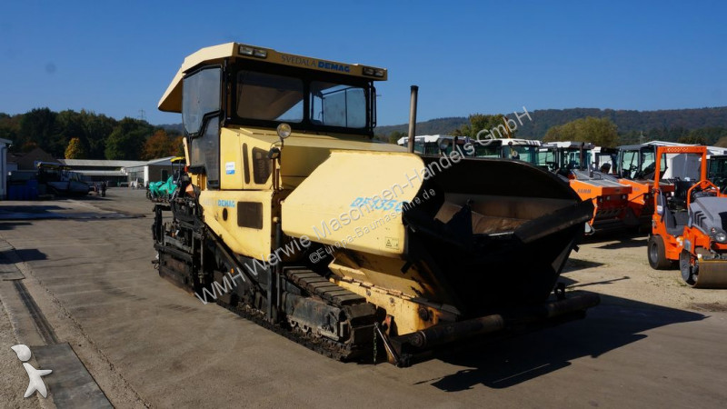 Demag DF135C road construction equipment
