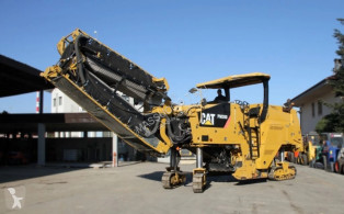 Caterpillar asphalt paving equipment