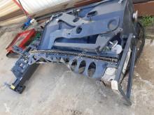 echipamente pentru lucrari rutiere utilaj de împrăştiat pietriş Bomag