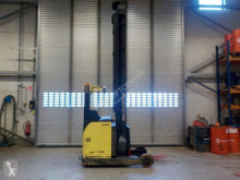 Hyster R2.00H Reach truck order picker
