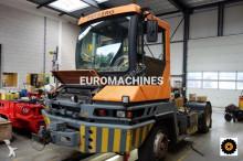 tracteur de manutention Terberg TT220