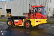 Kalmar TB3042 handling tractor