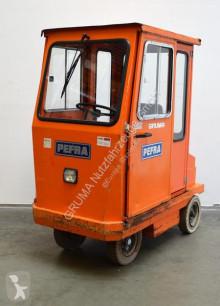 влекач Pefra 712