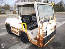 Charlatte handling tractor