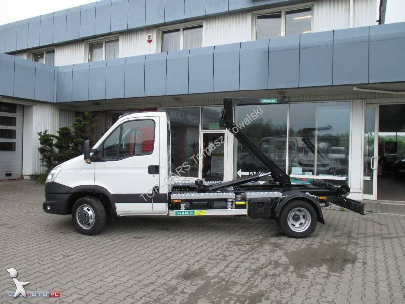 utilitaire benne iveco ampliroll daily 4x2 neuf n 1066793. Black Bedroom Furniture Sets. Home Design Ideas
