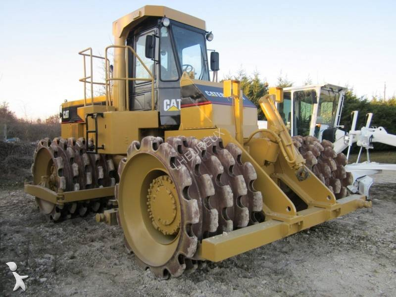 Caterpillar 825c compactor / roller
