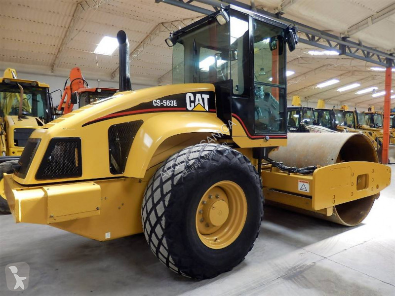 Caterpillar CS 563 E compactor / roller