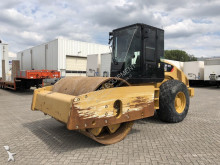 Caterpillar CS74 compactor / roller