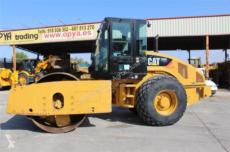 Compactor Caterpillar CS64