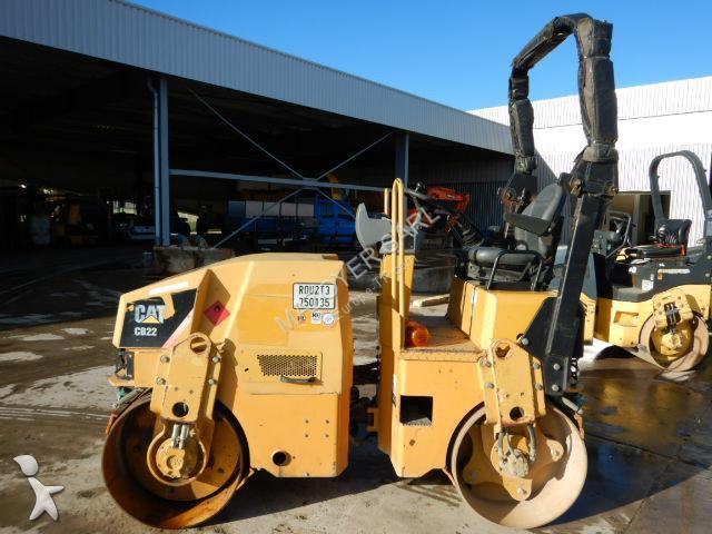 Caterpillar CB22 compactor / roller