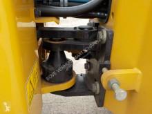 Voir les photos Compacteur Caterpillar CB 2.5