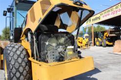 Vedere le foto Compattatore Caterpillar CS64