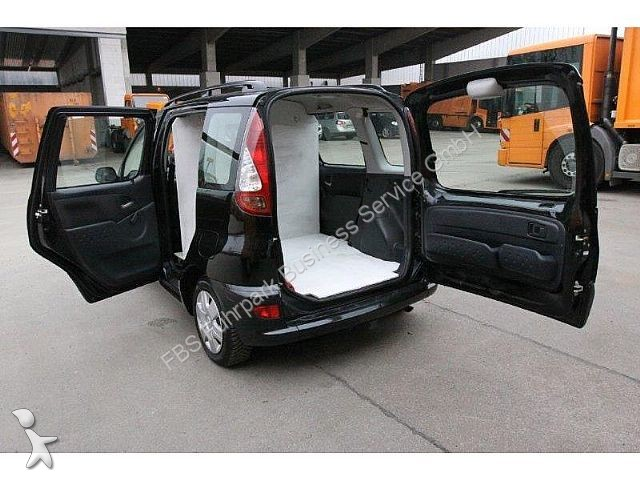 minibus toyota yaris verso p2 compact van euro 4 occasion n 976255. Black Bedroom Furniture Sets. Home Design Ideas