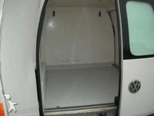 utilitaire frigo volkswagen isotherme caddy 2 0 occasion n 303910. Black Bedroom Furniture Sets. Home Design Ideas