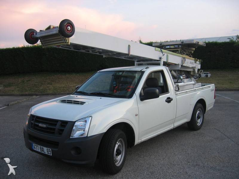 utilitaire monte meubles isuzu d max 4x2 occasion n 263202. Black Bedroom Furniture Sets. Home Design Ideas
