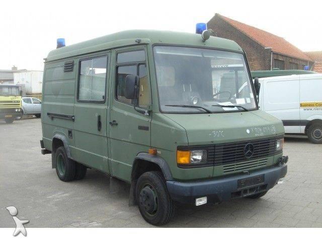 ambulance mercedes 609d ambulance nieuwstaat occasion n 190978. Black Bedroom Furniture Sets. Home Design Ideas