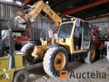 empilhador de obras Caterpillar TH82