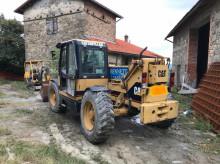 chariot télescopique Caterpillar TH63