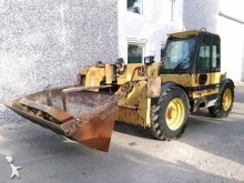 chariot télescopique Caterpillar TH63
