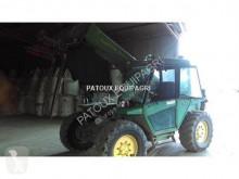 chariot télescopique John Deere 4400
