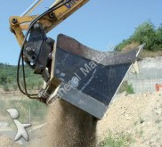 new tiltable ditch cleaning bucket