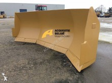 Caterpillar bulldozer blade