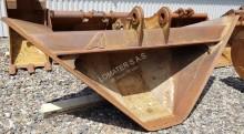 Arden trapezoidal bucket