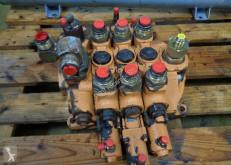 echipamente pentru construcţii n/a Distributore idraulico Case 821 C