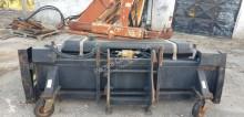 Zobraziť fotky Vybavenie stavebného stroja Caterpillar BP24 Broom Vassoura